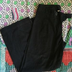 Gap black Size 6 capris we called these Gauchos